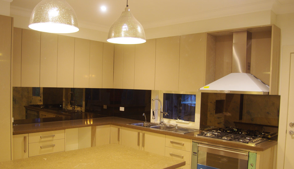We Can Manufacture One Piece 6mm Toughened Mirror Splashbacks Up To 5100 Mm Wide With No Unattractive Joins